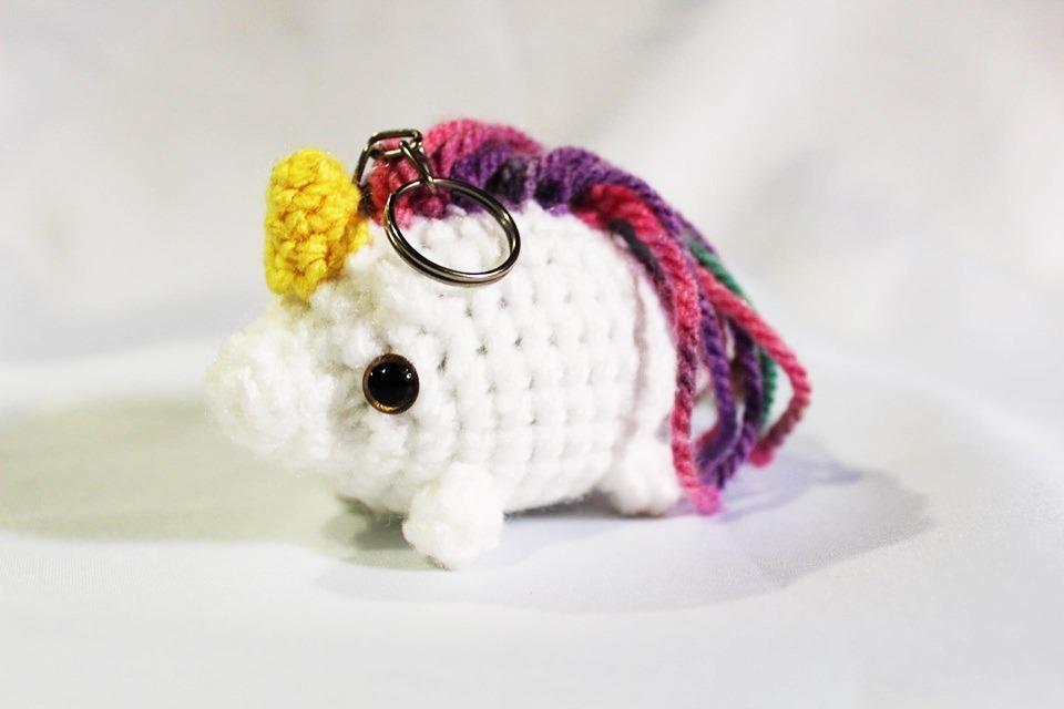 Mini unicórnio amigurumi no Elo7 | Meadas de Carinho (110DE56) | 640x960