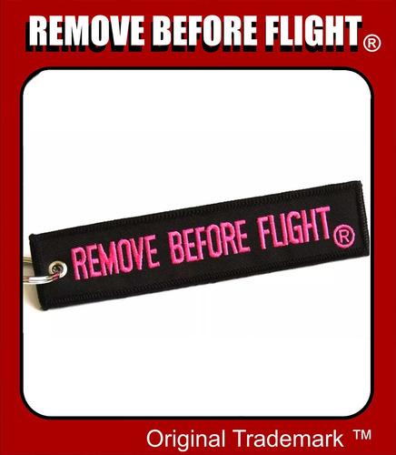llavero  remove before flight ® - black & pink