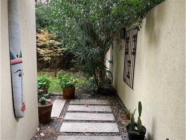 lo castillo duplex con jardín y oficina + 3 dorm +
