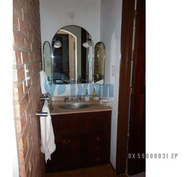 loc. int. córdoba - casa venta usd 230.000