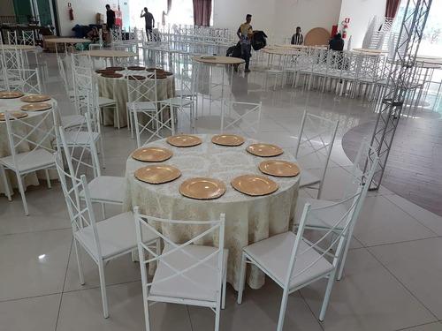 locacao de  mesas, cadeiras de madeira, ferro e plastico