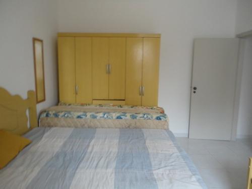 locação 1 dormitório frente a poucos metros praia boqueirão