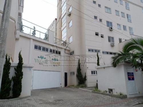 locação anual - apartamento com três dormitórios em gravatá,