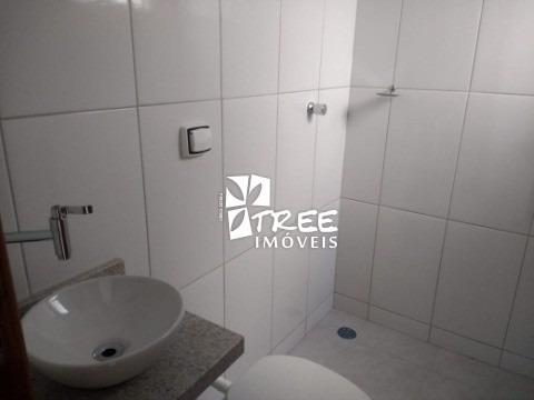 locação apartamento centro arujá, com 60m² distribuídos em 2 dormitórios, sala, cozinha, banheiro, lavanderia, 1 vaga de garagem. próximo de rede banc - ap00411 - 34031646