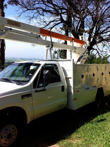 locação de caminhões com cesto aéreo isolado