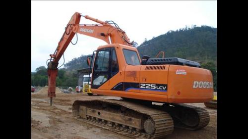 locação de escavadeira com rompedor e demolição