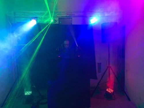 locação de som, iluminação,projetor e telão, dj e barmans.