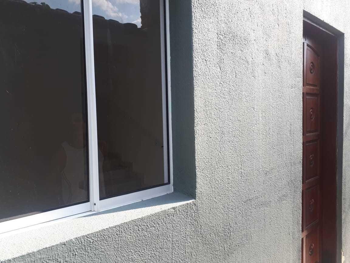 locação definitiva casa condomínio 2 dorms vila caiçara pg