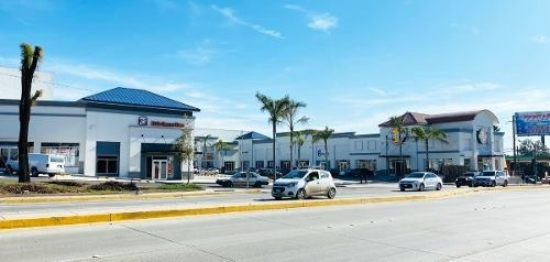 local #18 en renta, plaza aeropuerto, colonia aeropuerto