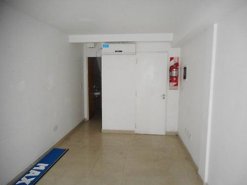 local 20 m² aprox. a nuevo céntrico