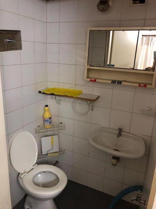 local 25 m2