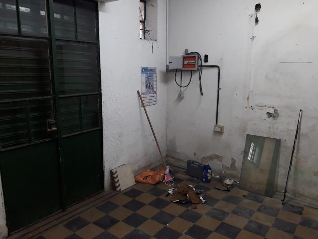 local 30 m2 al frente
