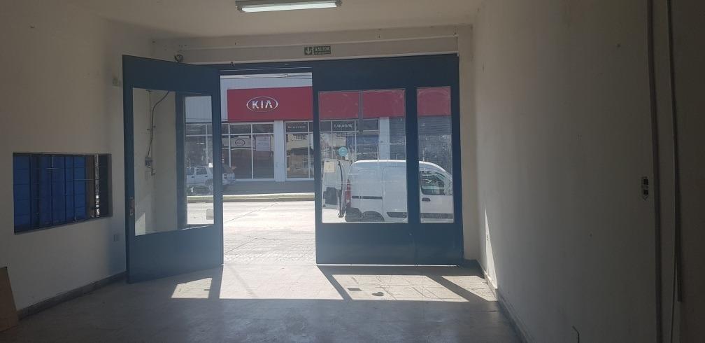 local 300 m2 en av. 44 (131 y 132) dueño directo