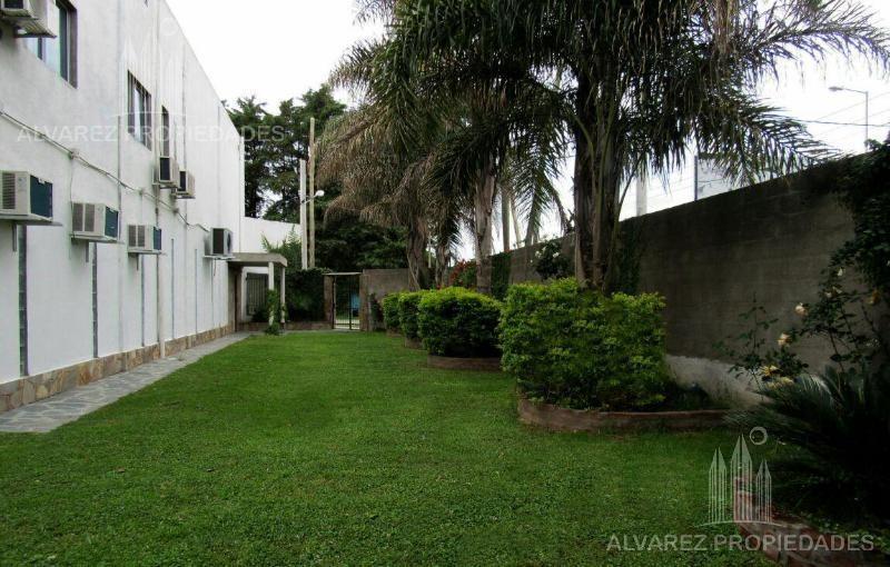 local 410  m2    vivienda  - del viso