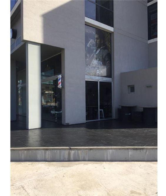 local 52 m2 en venta ed.agora iii