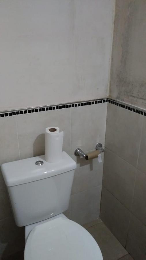local 60 mts 2 con baño -7 mts frente a la calle  - city bell