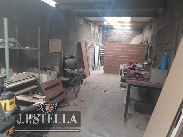 local 70 m²   galpon de 200 m² - lote 265 m²  - villa luzuriaga