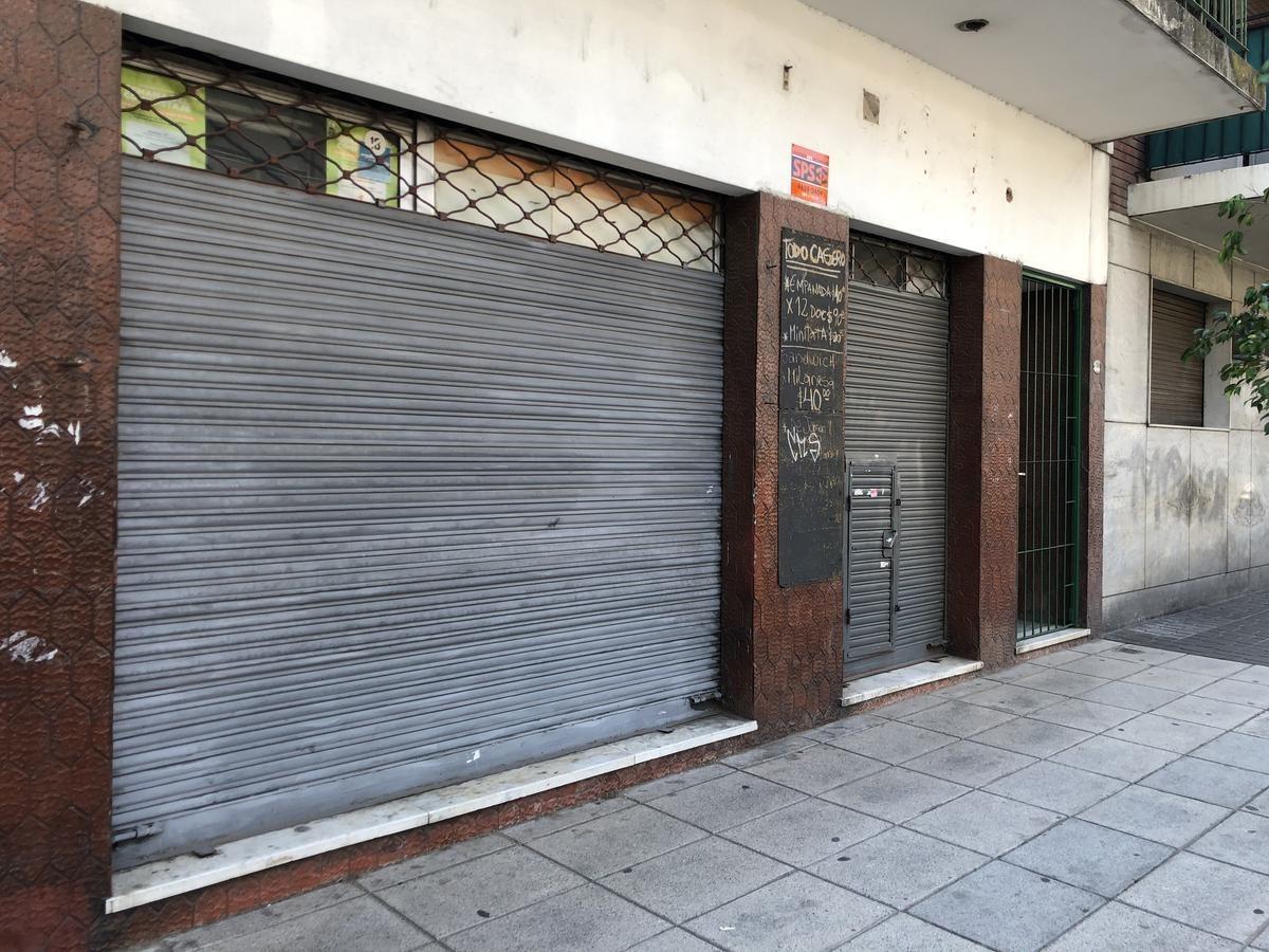 local 75 m2 aprox, frente c/vidriera, sin expensas, 1 baño