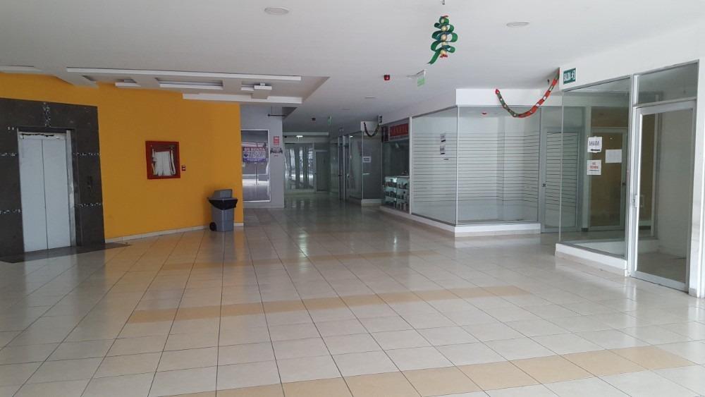 local a estrenar, en centro comercial