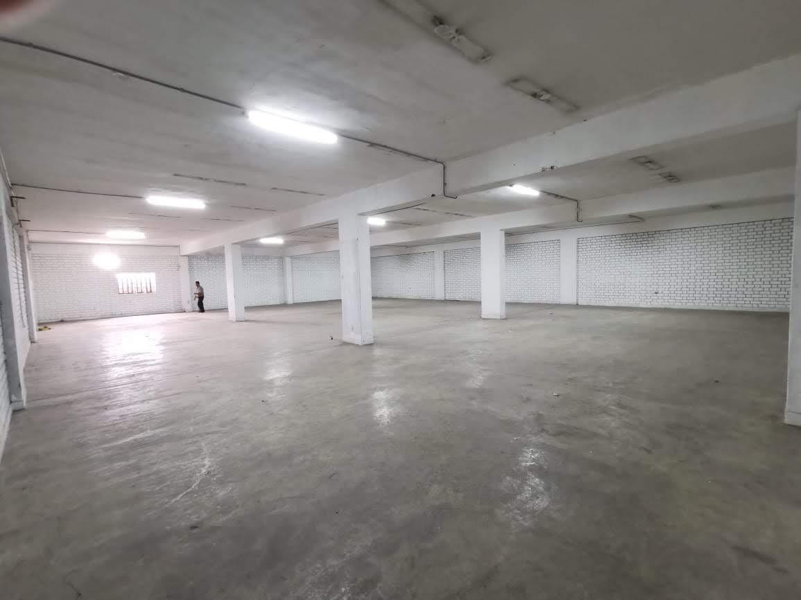 local, almacén 400 metros cuadrados