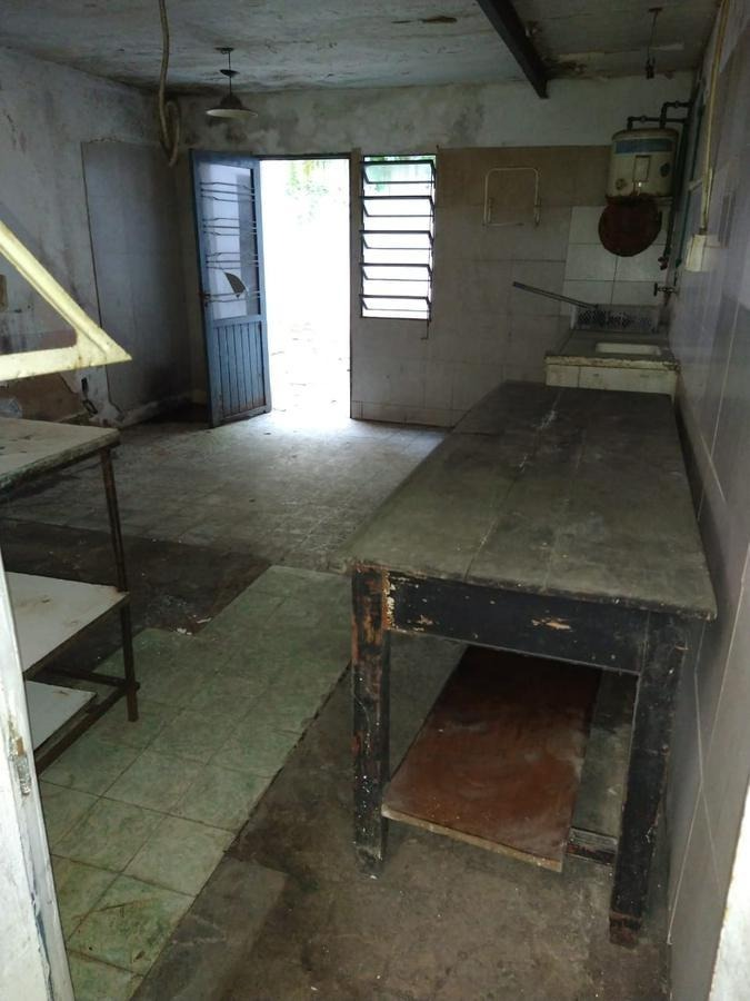 local alquiler de 450 mts 2 cubiertos--todos los servicios- ideal emprendimiento gastronómico - la plata