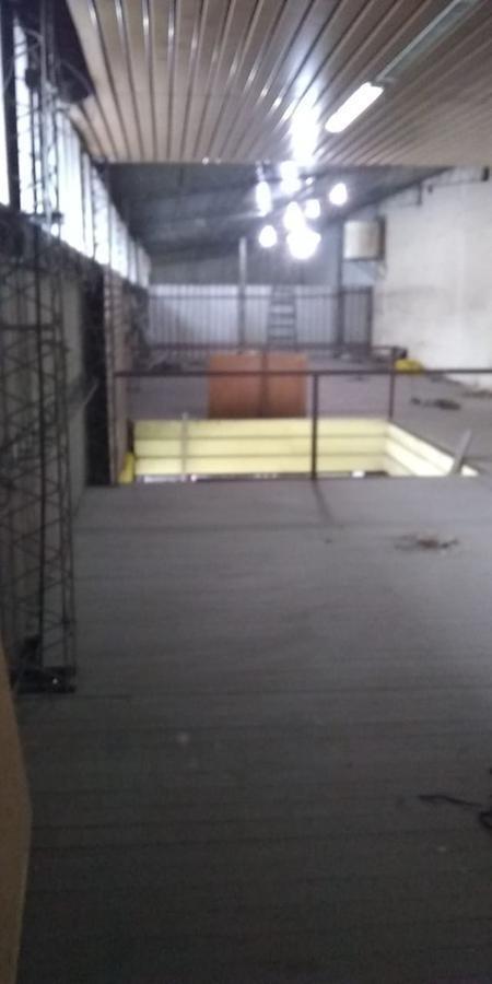 local alquiler de 500 mts 2 -habilitado para taller mecánico- la plata