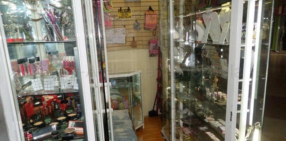 local alquiler galerias avila candelaria cc 0412.639.55.61