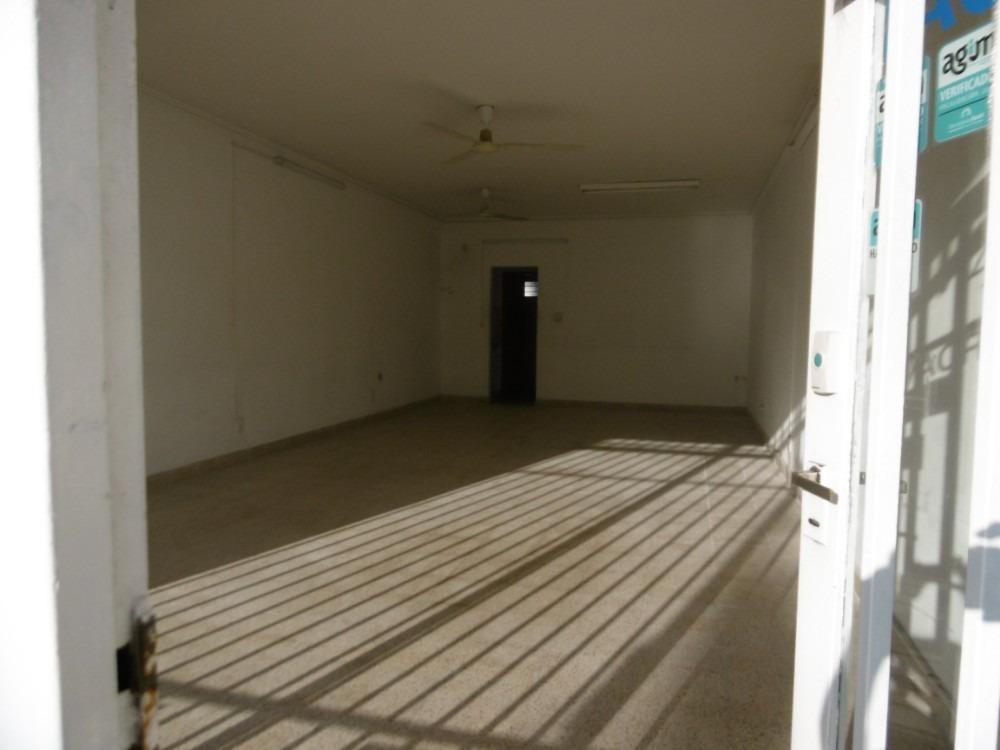 local  av. buzon 60mts con oficina y kitchenette inmejorable
