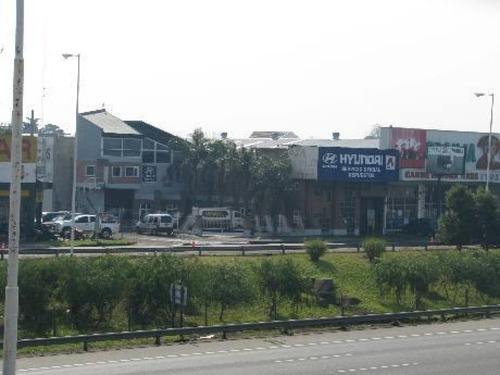 local    av presidente juan d. peron al 6800