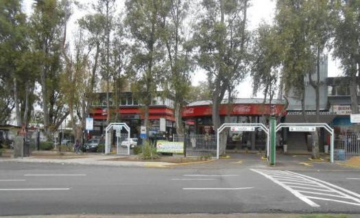 local - barrio parque leloir