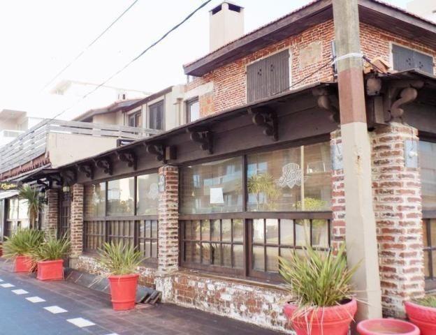 local | calle 19 (comodoro gorlero)