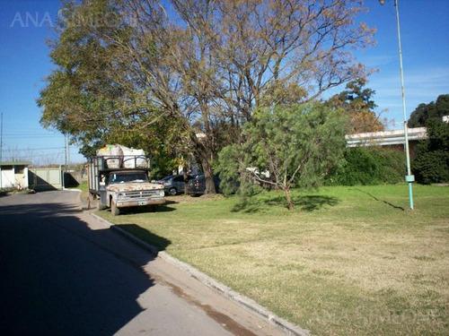local /casa/ oficinas de 327m2 cubiertos frente a ruta