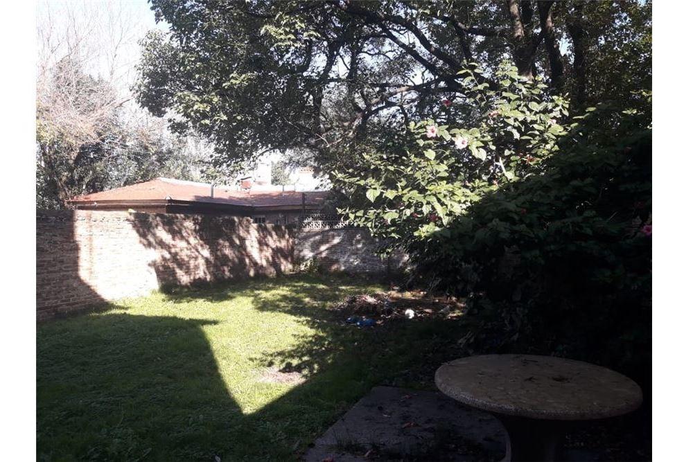 local c/casa/ cochera/ patio verde en monte grande