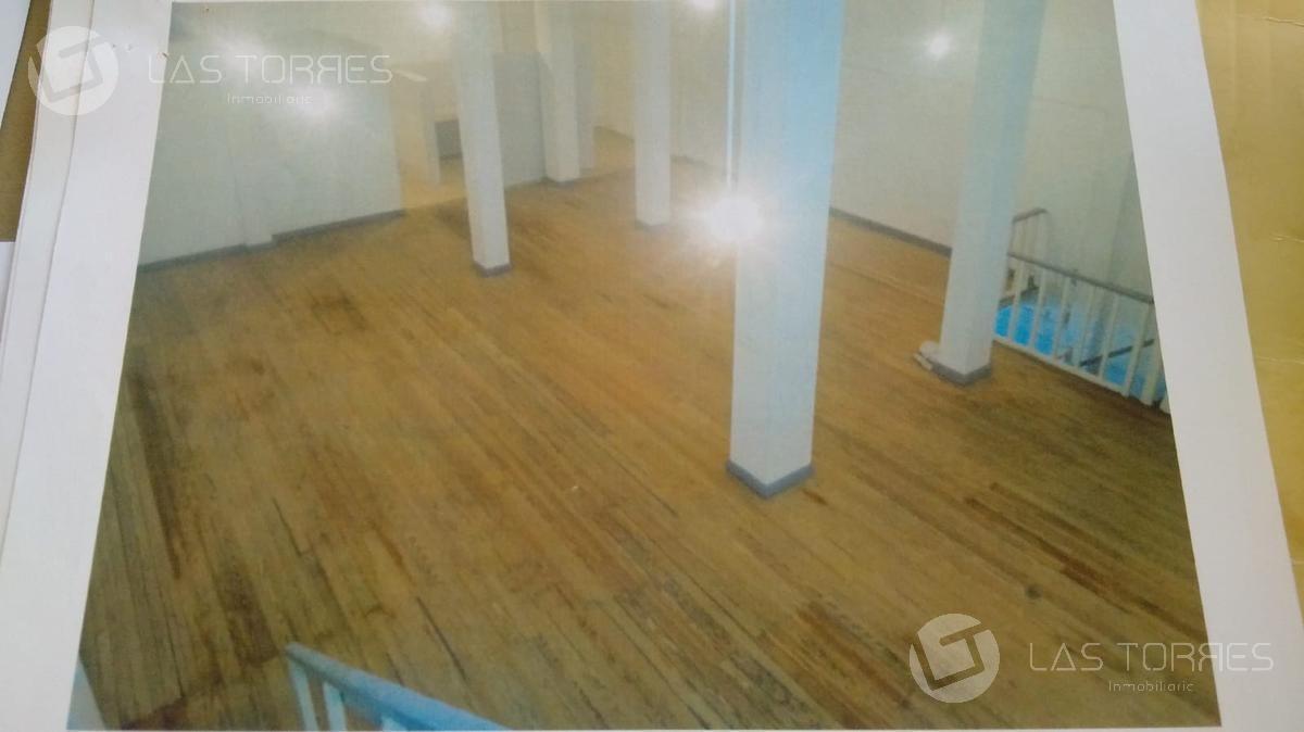 local - centro (montevideo) tres plantas, 360m, sin gc.