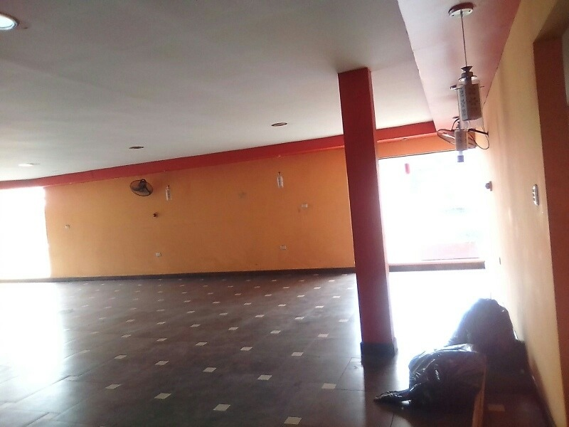 local comercial 2 pisos 350m2 zona centrica