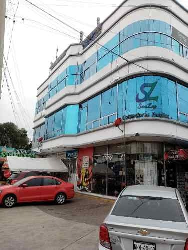 local comercial 25m2, con baño, estacionamiento, ubicadisimo