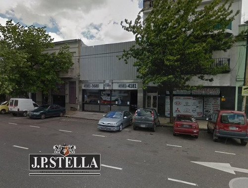 local comercial 260 m² sobre av. san martin - paternal