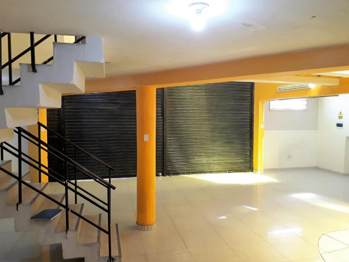 local comercial 3 pisos con 9 ambientes, excelente ubicación