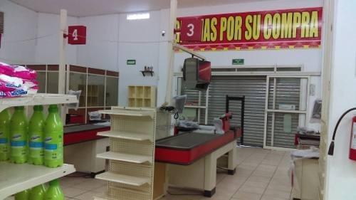 local comercial acondicionado para supermercado en venta en la carretera san mateo