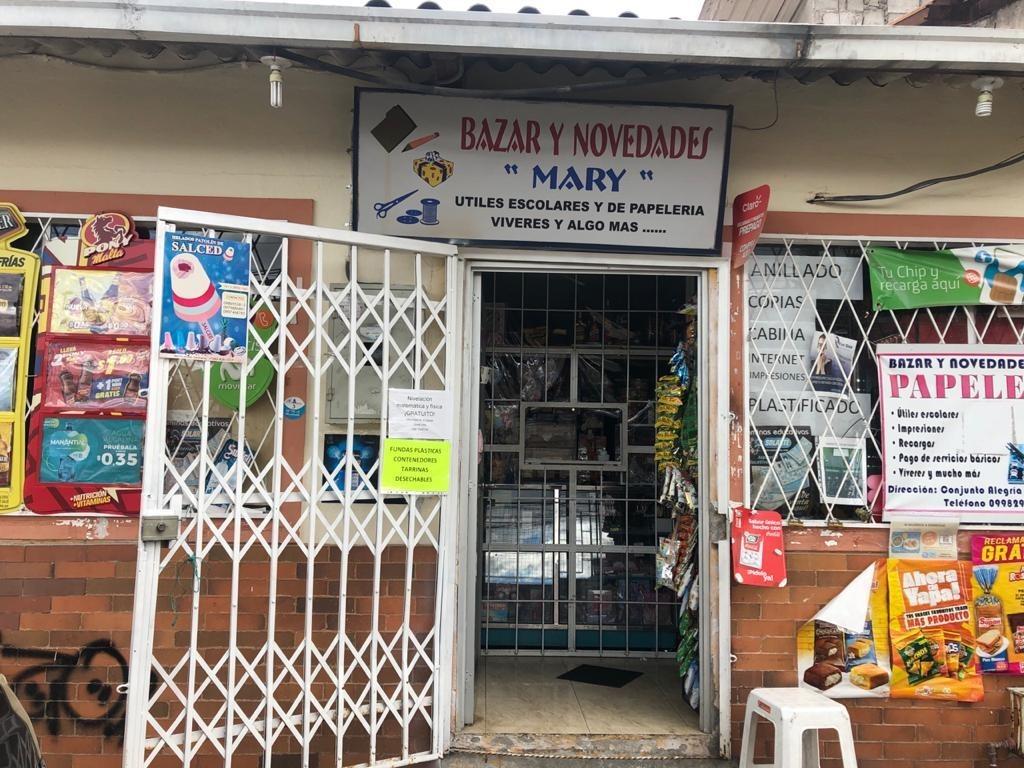local comercial aperado con bazar y viveres