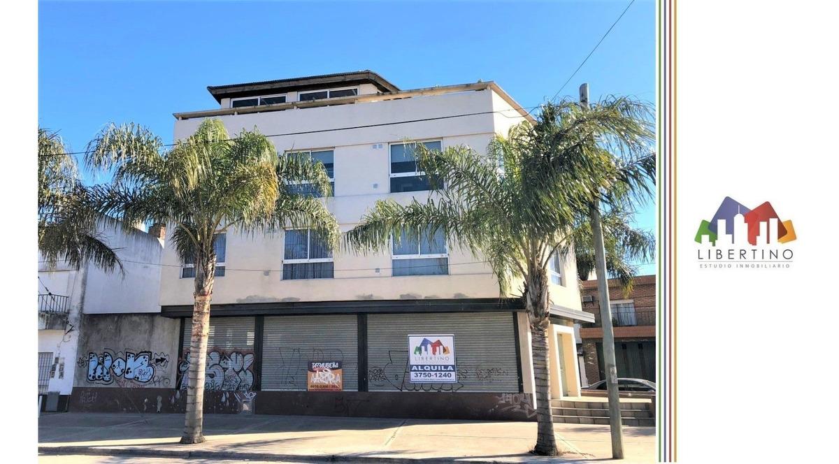 local comercial barrio don bosco // av. pedro palacios 589