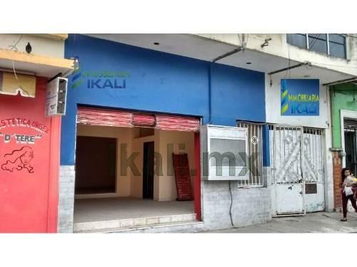 local comercial centrico en renta ubicado a unos pasos del mercado de la ciudad, ubicado en la calle vicente guerrero de la colonia centro en tuxpan veracruz, son 50 m² de construcción, distribuidos