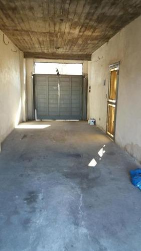 local comercial con 3 oficinas y garage