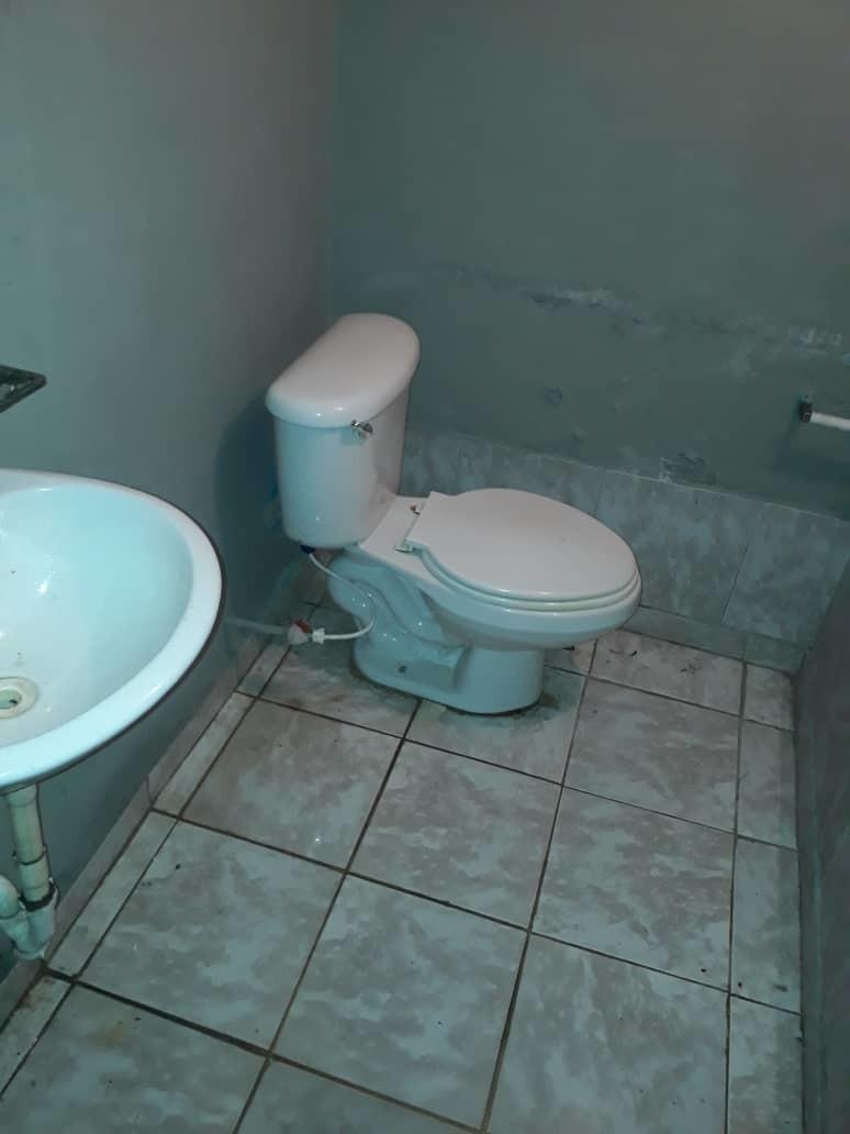 local comercial con  baño