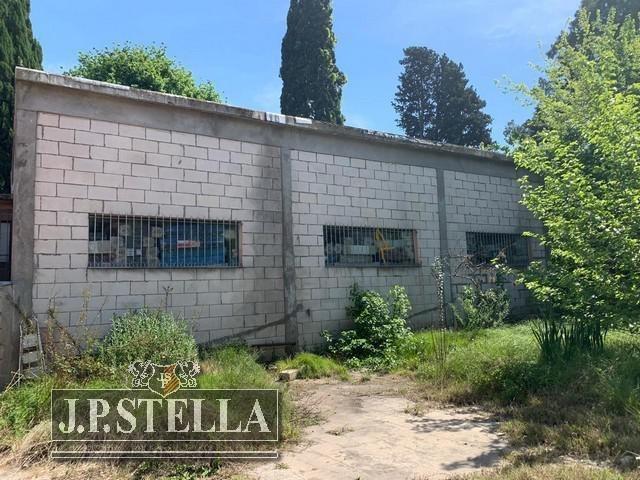 local comercial con deposito, oficinas y fondo libre - lote 1200 m²- ituzaingó