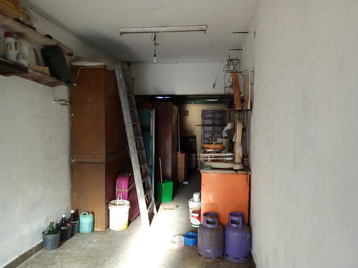 local comercial con garage en moron sur