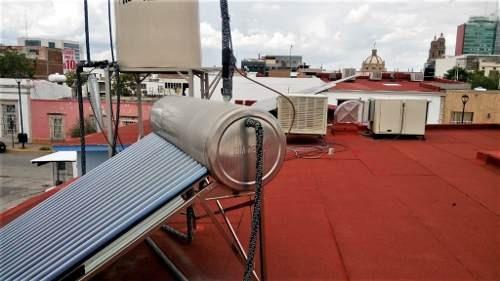 local comercial con paneles solares y cuarto frió