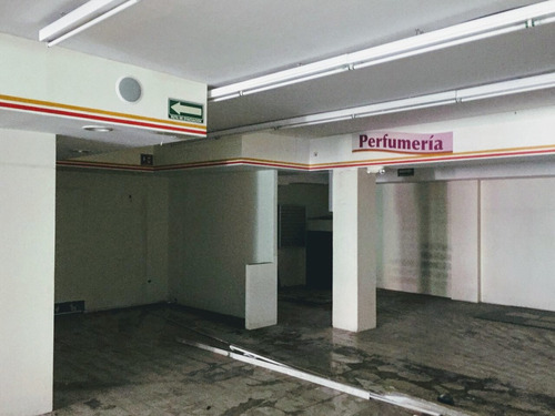 local comercial de 2 plantas grande