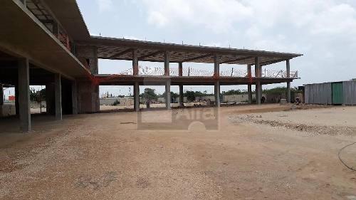 local comercial de 46.30m2 en periferico, cercania al aeropuerto. (venta / renta)
