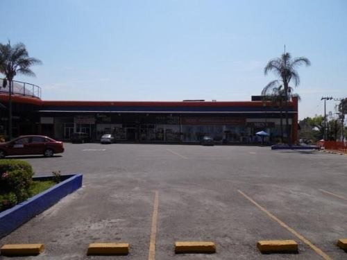 local comercial dentro de plaza !! cerca de plaza forum clave lr617